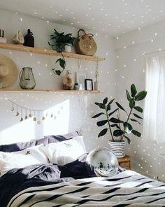 Inspiring cozy apartment decor on a budget 16 Quinta Interior, Home Interior, Interior Design, Inspiration Room, Decoration Inspiration, Decor Ideas, Room Ideas Bedroom, Home Decor Bedroom, Bedroom Designs