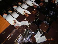 Vinopunottu kahvipussikori | Käsitöitä ja Puutarhanhoitoa Cards Against Humanity, Frame, Crafts, Bags, Picture Frame, Handbags, Manualidades, Handmade Crafts, Frames