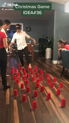Funny Party Games, Family Party Games, Kids Party Games, Party Games For Adults, Funny Games For Groups, Game Party, Youth Games, Team Games, Adult Games