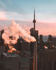Toronto Ontario Canada, Toronto City, Downtown Toronto, Wallpaper Toronto, Urban Setting, Beautiful Places To Travel, Dream City, Banff National Park, Quebec City
