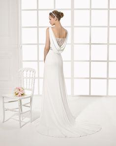 MORGAN vestido de novia  en crepe encaje y pedreria.