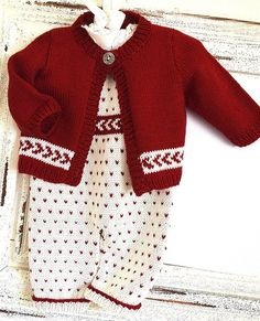 This very cute fairisle one piece with matching sweater can be knitted in three sizes 0-3 months, 3-6months, 6-12months.