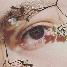 What's Makeup ? What's Makeup ? Generally speaking, what is makeup ? Aesthetic Eyes, Flower Aesthetic, Aesthetic Makeup, Aesthetic People, Aesthetic Pastel, Pretty Eyes, Beautiful Eyes, Photo Oeil, Eye Art