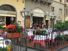 Italian patio cafe / restaurant - very romantic!  My family and I ate here when they surprised me in Florence
