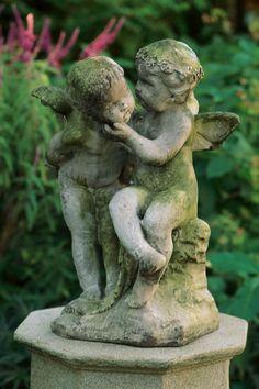 Vintage Cottage Garden Style - My Garden Decor List Dream Garden, Garden Art, Garden Design, Statue Ange, Charleston Gardens, Garden Angels, Angel Statues, Cemetery Statues, Greek Statues