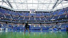US Open: postales de una final demorada por lluvia (FOTOS) Basketball Court, Soccer, Us Open, Finals, Tennis, Sports, Futbol, European Football, European Soccer