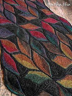 Knitting Patterns Vest Ravelry: Scarf Dryad pattern by Svetlana Gordon Knitting Short Rows, Knitting Stitches, Free Knitting, Knitting Scarves, Knitting Projects, Crochet Projects, Stitch Patterns, Knitting Patterns, Crochet Patterns
