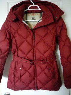 b61964eb28f2 Burberry Women s Size Large Quilted Down Filled Puffer Coat Jacket Reg  795  MINT