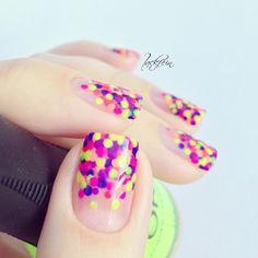 Neon Multicolor Dotticure.