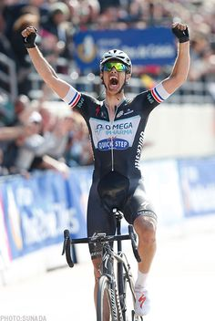 The Flying Dutchman - Niki Terpstra claims the biggest victory of his career at Paris-Roubaix on his Specialized S-Works Roubaix