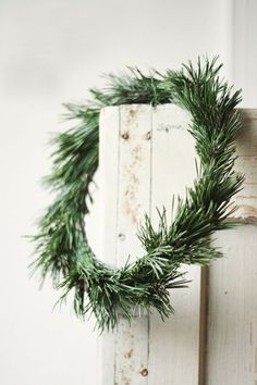 Winter is the one time of year that I fall in love with wreaths everywhere I turn. I don't typically make or display wreaths, but when Christmas comes around, all bets are off. Christmas Wreaths To Make, Noel Christmas, Country Christmas, All Things Christmas, Winter Christmas, Christmas Crafts, Christmas Decorations, Natural Christmas, Simple Christmas