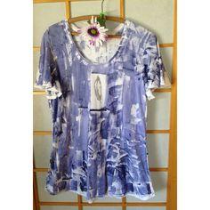 Hawaiian Tunic Top Hawaii Shirt Hand Painted T Shirt Plus Size Tunic... ($40) ❤ liked on Polyvore featuring tops, grey, t-shirts, women's clothing, hawaiian shirts, gray shirt, pattern shirt, hawaiian print shirts and women's plus size tops