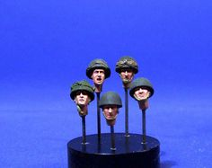 Maquette Resicast 35.5525 5 different heads (4 helmets & 1 beret)