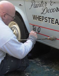 Wayne Tanswell Traditional Signwriter - Vintage Vehicles