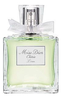Miss Dior Chérie l'eau ... very fresh and lovely <3