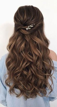 gorgeous half up half down hairstyles that perfect for a rustic wedding 10 ~ thereds.me frisuren haare hair hair long hair short Easy Hairstyles For Medium Hair, Quick Hairstyles, Down Hairstyles, Medium Hair Styles, Short Hair Styles, Braid Styles, Prom Hair Medium, School Hairstyles, Hair Styles With Curls