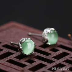 7cm Retro royal palace 925 Sterling silver pure natural Semi-precious stones green grape opal Agate stud Earrings female