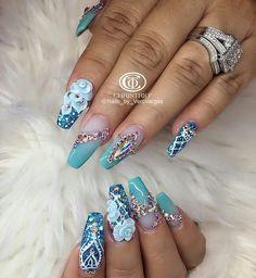 We all want beautiful but trendy nails, right? Here's a look at some beautiful nude nail art. Glam Nails, Fancy Nails, Bling Nails, Cute Nails, Pretty Nails, Red Nails, Swarovski Nail Crystals, Crystal Nails, Beautiful Nail Designs