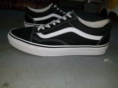 8a5f5497bf40 VANS OLD SKOOL CLASSIC BLACK WHITE SUEDE CANVAS SKATE SHOES. UNISEX SIZE 8M
