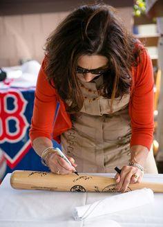 Your guests will love signing a custom engraved Louisville Slugger bat at your baseball themed wedding reception. #baseballwedding  #stwdotcom