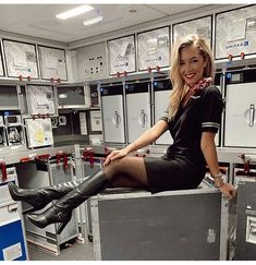 Flight attendant Pantyhose legs and Nylons heels t Sexy Boots, Sexy Heels, Flight Attendant Hot, Pantyhose Legs, Nylons Heels, Cabin Crew, High Heel Boots, High Heels, Aviation