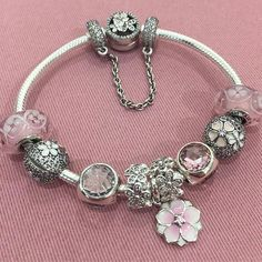 I say this every year, but I really don't know where the time has gone! It's that time of the year again, and spring has sprung in Pandora stores worldwide with the launch of the Pandora Spring 2017 collections! We have new releases for the regular collections, Pandora Rose, Pandora Essence, and Pandora Disney – … Read more...