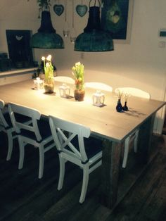 Steigerhouten eettafel afgewerkt met greywash steigerhoutbeits