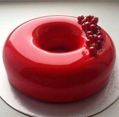 Receita de bolo de vidro! veja como fazer esse efeito em seus bolos