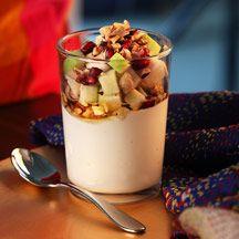 Yoghurt med frukt och nötter