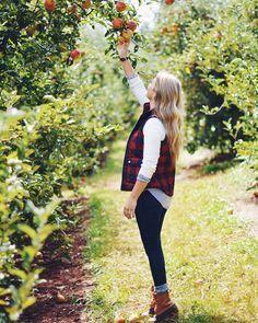 Apple Picking // Fall Fashion // whatcourtwore.com