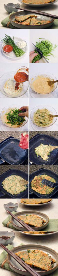 Korean leek pancake-【韩国料理】부추장떡 - 韭菜饼; 泡菜变酸了就不能吃了吗,可以用酸汤做饼。材料:泡菜汤、面粉、韭菜;韭菜洗净后切,面粉里放泡菜汤和水,韭菜放进和好的面;因为泡菜汤里有调料,不用另加调料了。在油锅里煎出来。