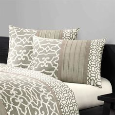 N Natori Fretwork Bedding, home-decorating-co.com - that's more like it!
