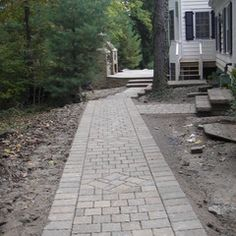 Walkway paver pattern by Landscape Creations Nursery, Chesterland, OH