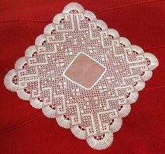Pañuelo de ceremonia ,realizado en encaje de bolillos