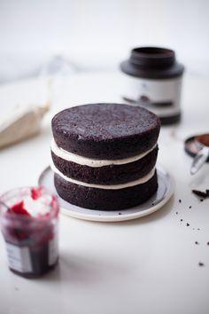 dark chocolate peanut butter jam cake recipe