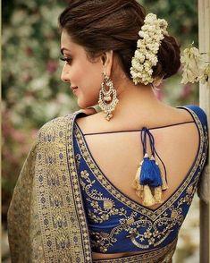 A very intricate #blousedesign that is a must try. #blousedesigns #sareelove #saree #bridalsaree #sarees #bridalwear #latkandesigns #bridesaree #weddings #weddingfashion #indianweddings