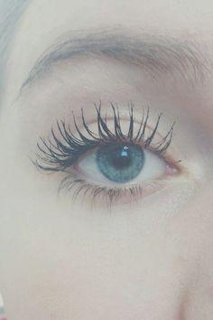 Lashes so long Vaseline Eyelashes, Vaseline For Hair, Eyebrow Growth, Eyelash Growth, Natural Eyelashes, Natural Eye Makeup, Under Eye Concealer, Nail Art, Best Eyebrow Products