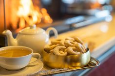 Tea Pots, Tableware, Bakken, Dinnerware, Tablewares, Tea Pot, Dishes, Place Settings, Tea Kettles