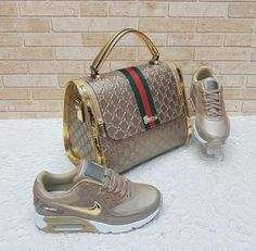 Louis Vuitton Handbags fashionstyle Casual New LV Collection for Louis Vuitton. Gucci Handbags, Louis Vuitton Handbags, Purses And Handbags, Sneakers Fashion, Fashion Shoes, Fashion Bags, Fashion Handbags, Mein Style, Gucci Shoes