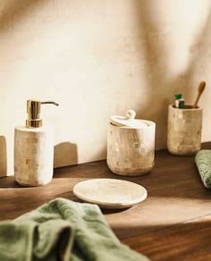 Image of the product Zara Home Bathroom, Bathroom Sets, Vintage Tub, Zara Home Stores, Zara Home España, Large Homes, At Home Store, Amazing Bathrooms, Things To Buy