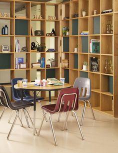 【ブラック】シンプルで丈夫なコユニバーサルデザイン チェア:ミッドセンチュリー,ブラック,Home's Style(ホームズスタイル)のオフィスチェアの画像