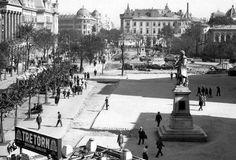 Piata Universitatii perioada interbelica Little Paris, Bucharest Romania, Old City, Timeline Photos, Time Travel, Old World, Paris Skyline, Street View, Memories