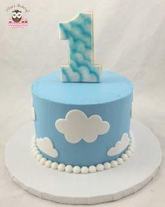 42 Ideas Birthday Cake Boys Airplane Cloud For 2019 Smash Cake First Birthday, Baby Boy 1st Birthday, Birthday Ideas, Mini Cakes, Cupcake Cakes, Hot Air Balloon Cake, Cloud Party, Cupcakes For Men, Cloud Cake