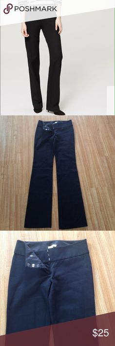 Loft pants Marisa fit NWOT never used can fit from 0/2 in size Material is 49% Modal 4% Spandex 47% Cotton.Length is 32 LOFT Pants
