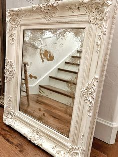 Chalk Painting and Antiquing A Frame - Modern Chalk Paint Mirror, Mirror Painting, Chalk Paint Furniture, Painting Frames, Chalk Painting, Painting Walls, Painted Mirrors, Wall Mirrors, Ornate Mirror