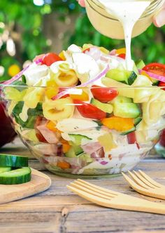 Click through the slideshow above to check out 10 Memorial Day Must Haves! Picnic, barbecue and outdoor party season begins Memorial Day weekend and I can not wait! Our holiday celebrations are packed with family, friends, food and fun. This weekend will be no exception.Check out our favorite burgers: Barbecue Bacon Beer Cheddar Smokehouse Burger [...]