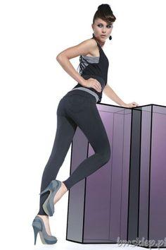 Proste legginsy z pewnością znajdą się w Twojej garderobie ! Czarne cyrkonie na kieszonkach z tyłu delikatnie się mienią. Model o klasycznym fasonie. Wygodne kieszonki z tyłu i przodu pięknie podkreślają górę. Idealne na nadchodzący sezon. Legginsy są na komfortowej gumie. Grubość 200 Den – całkowicie kryjące nadają się do krótkich bluzek. Produkt ma bardzo dobrą jakość oraz surowce – rzeczywistoś... #Legginsy - http://bmsklep.pl/bas-bleu-sandra