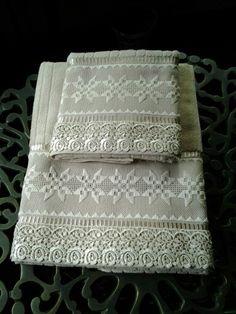 Maribel Garcia .....toalhas em ponto reto e crivo ..
