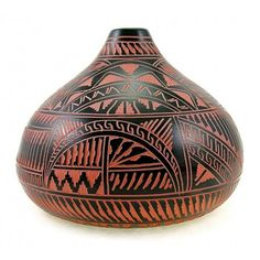 Material: pottery Height: 5-5/8 inch Width: 7-1/4 inch Handcrafted Etched Condition: new Native American Artist: Bernice Watchman Lee Marked: Bernice W. Lee, Navajo