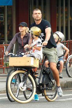 Liev Schreiber bicycle & kids